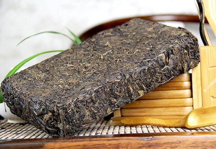 hunan-anhua-yi-ju-chang-hand-made-fu-brick-dark-tea-original-leaves-of-ancient-wild-tea-trees-1000g-004