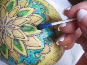 Katya trischuk working on ostrich egg shell (1)